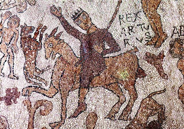 mosaico con varie sfumature di marrone descrizione nella didascalia