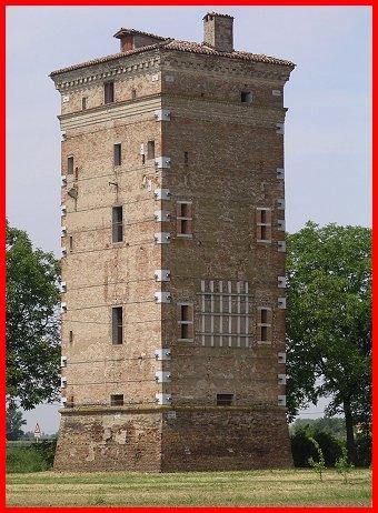 Torre stoffi nel comune di carpi castelli della provincia - Finestre castelli medievali ...