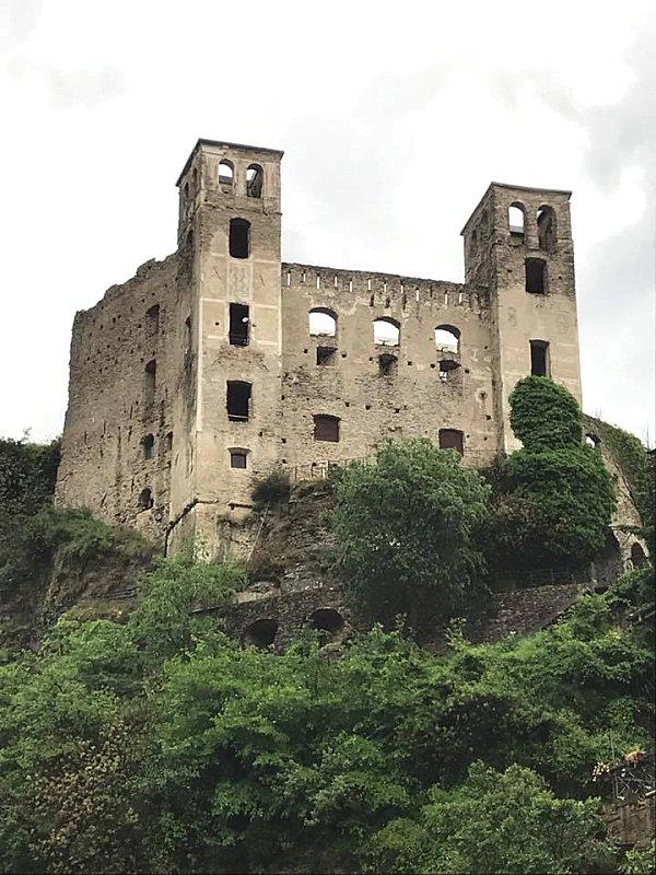 Tutte le fortificazioni della provincia di imperia in - Finestre castelli medievali ...