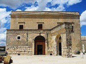 Tutte le fortificazioni della provincia di bari in sintesi - Un antica finestra a tre aperture ...
