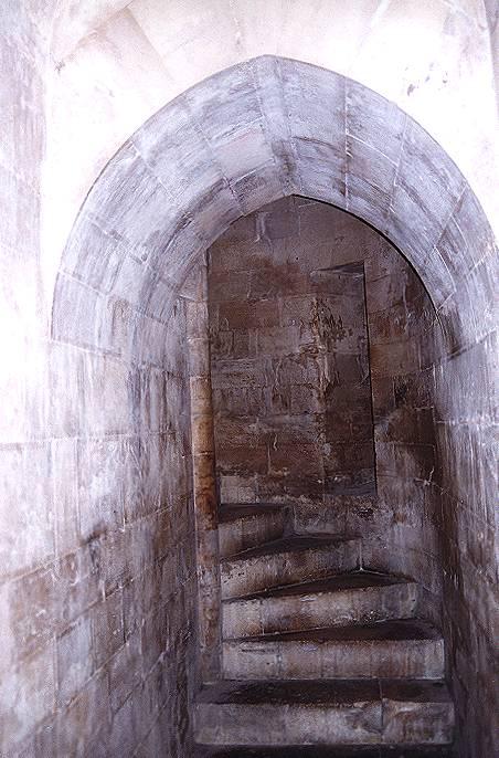 Castel del monte castelli della puglia provincia di for Interno della torretta vittoriana