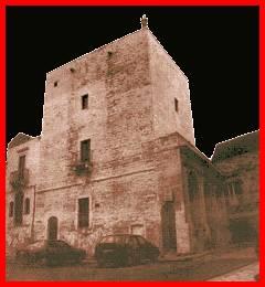Castelli della puglia provincia di brindisi cisternino for Piani di cabina della torre di fuoco