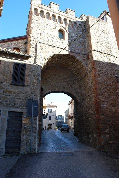 Tutte le fortificazioni della provincia di perugia in for Disegni casa castello