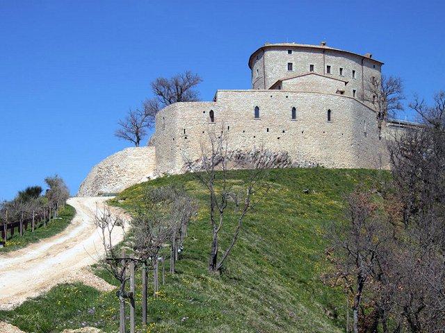 Castelli italiani castelli delle marche provincia di - Caf porta rimini pesaro ...