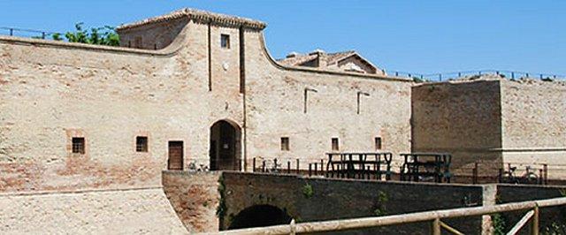 Tutte le fortificazioni della provincia di pesaro urbino - Finestre castelli medievali ...