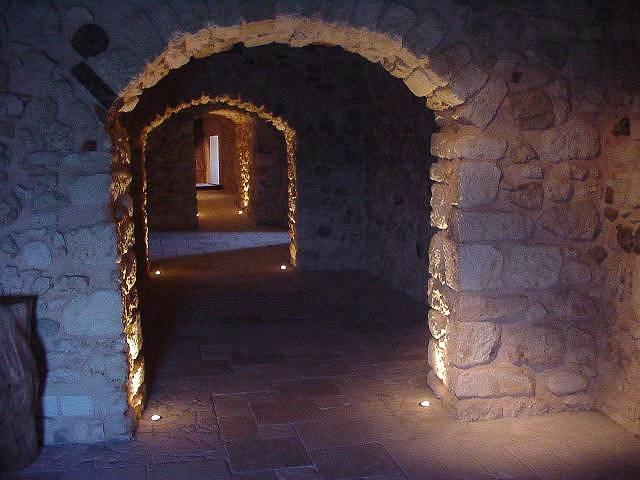 Castello di peschici castelli della puglia castelli for Immagini di interni