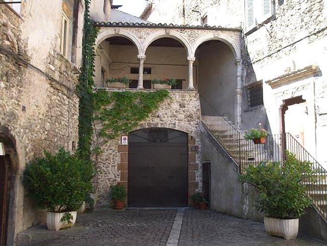 La citta 39 medievale - Finestre castelli medievali ...