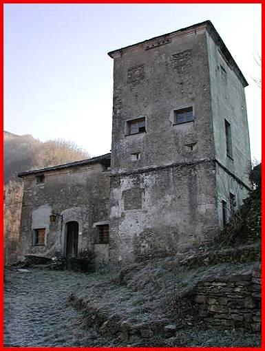 Castelli della liguria provincia di genova senarega for Disegni casa castello