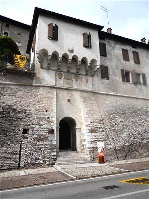 info for 41976 c287c Castelli del Veneto, provincia di Belluno